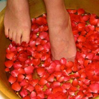 薔薇の花びらに心躍るオトナ女子旅、バンヤンツリー・スパ