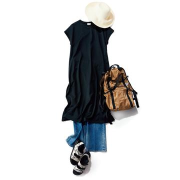 黒ワンピースならお出かけする日もおうち時間も素敵に決まる【アラフィー夏の黒の着こなし】