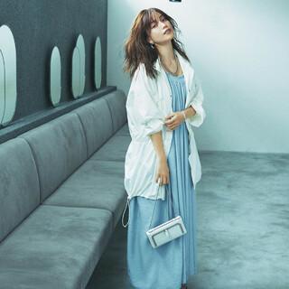 ラクだけどラフすぎない「カジュアルな白」、アラフォーが着るべき5つの服【前編】