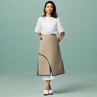 着るだけで美しいワンピースとスカートがパートナー ADOREのモダンエレガンス