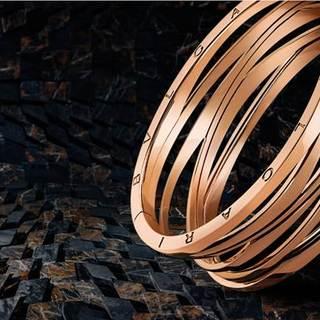 ザハ・ハディッドが手がけたブルガリの「ビー・ゼロワン デザイン レジェンド」にブレスレットが登場。