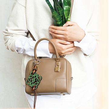 【2021秋冬最新バッグ】「ロエベ」の新アマソナはシンプルなデザインに魅了される