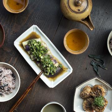 エクラモデル田沢美亜さんのユニット「uraku」が主催「藍のあるお茶会」