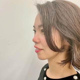 今年最後のヘアスタイルは、くせ毛を活かしたゆるボブヘア