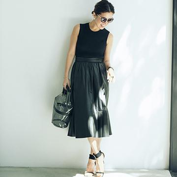 Q.「黒」が好きだけど、夏は着こなしが変わり映えしない……。【大草直子の夏のファッション相談室】