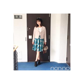 鈴木友菜のライダース×秋っぽ花柄スカートは鉄板!【毎日コーデ】