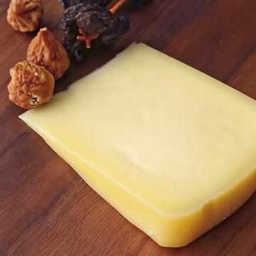 チーズ工房 白糠酪恵舎の「トーマシラヌカ」
