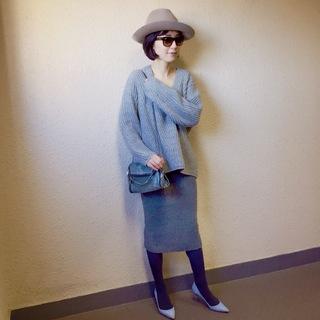 色コーデ②「グレーワントーン」