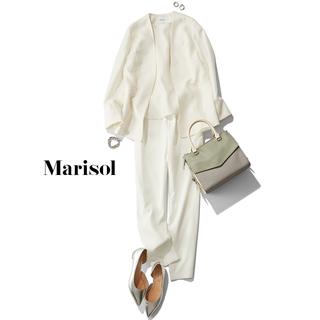 異素材の「白」を重ねて着こなしに奥行きをプラス
