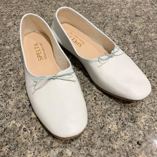 【冬には白い靴がいい】重たい冬ファッションを軽くする_1_1