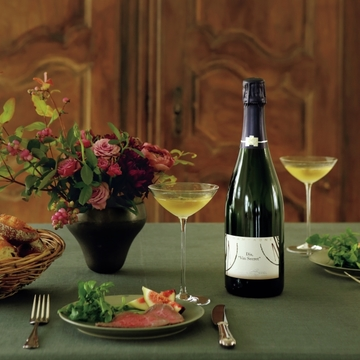 """母の愛から生まれたシャンパーニュ「ディ """"ヴァン・スクレ""""」で自宅ディナーを【飲むんだったら、イケてるワイン】"""