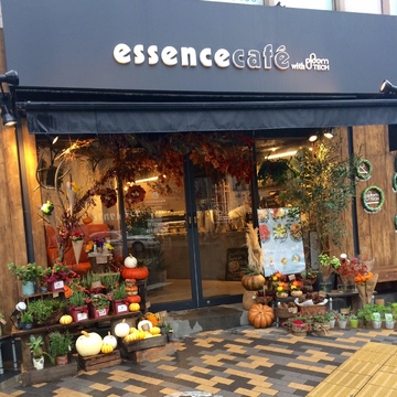 essennce cafe  恵比寿