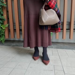 11月号付録『ヴェルメイユ パー イエナ』のタイツは、絶対使えるニュアンスブラック!