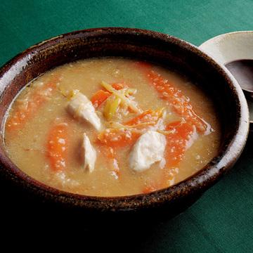 炒めることで風味がアップ!根菜の味噌鍋のレシピ【ウー・ウェンさんの「発酵鍋」】