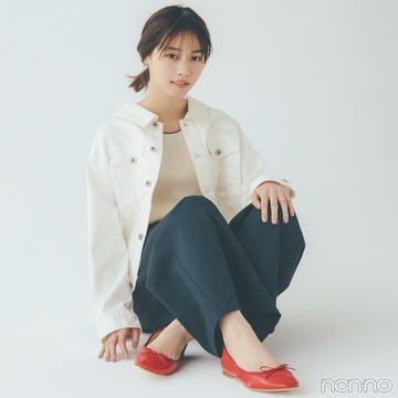 西野七瀬はトリコロール配色でカジュアルコーデを格上げ【毎日コーデ】