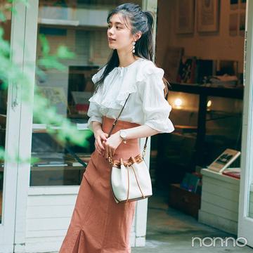 華ブラウスとマーメイドスカートでデートにぴったりの可愛げコーデ【大学生の毎日コーデ】