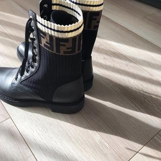 秋冬の足元にパワーをくれるブーツ 【40代 私のクローゼット】