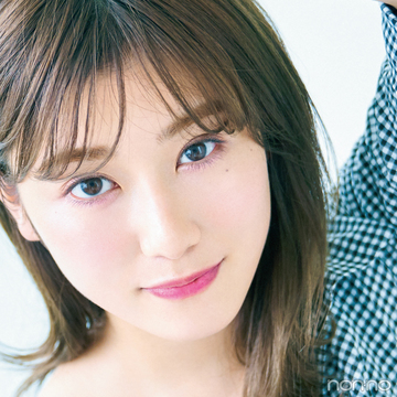 欅坂46・守屋茜さんが白肌映えするメイク&ヘアカラーを伝授!