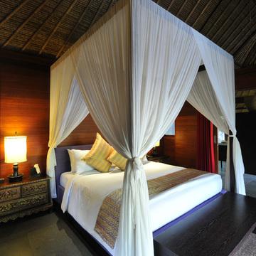 見事な熱帯の庭園 カユマニス ウブド 【インドネシアのお薦めホテル】