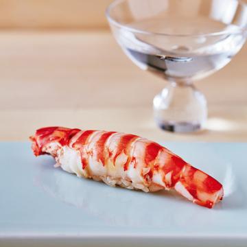 <福岡・鮨の名店②>「鮨 料理 一高(いちたか)」で緻密な鮨と大胆なもてなしを楽しむ
