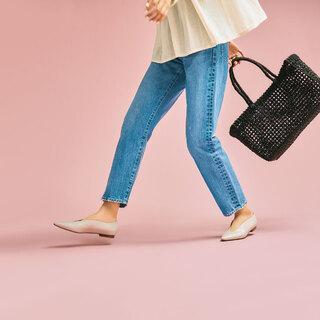 どんな一本も、春靴でぐっと洗練!アラフォーのデニムスタイルの鮮度を上げる「足元」はこの3つ