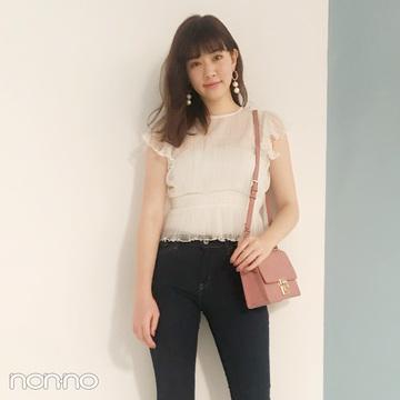 岡本杏理はインディゴスキニーをレーストップスで女っぽく♡【毎日コーデ】
