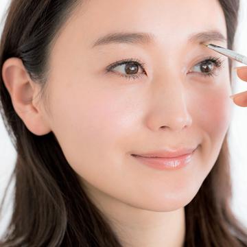 3.眉と目の間が広がってのっぺり。 キリッとした目もとにするには?