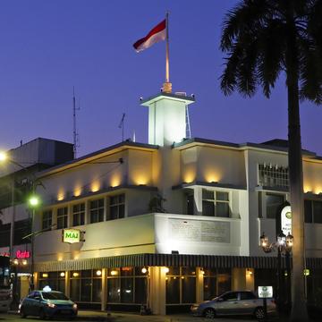 ホテル王サーキーズ ブラザーズの傑作 、 マジャパヒト スラバヤ 【インドネシアのお薦めホテル】