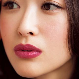 ☆唇がポイント、目はラインでしめてヌケ感を