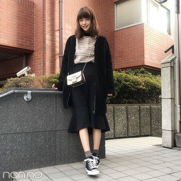 鈴木優華はユニクロのマーメイドスカートにフルラのバッグをオン!【モデルの私服スナップ】
