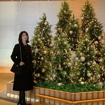 クリスマスコンサート動画 と、上質なコートでホテルオークラへ。
