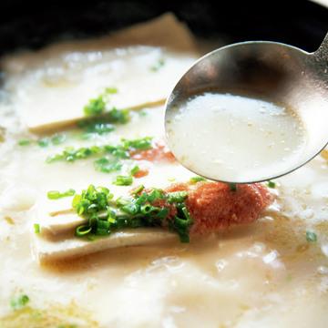 3.豆腐を引き立てる米の研ぎ汁と野菜だし『オンマウル』
