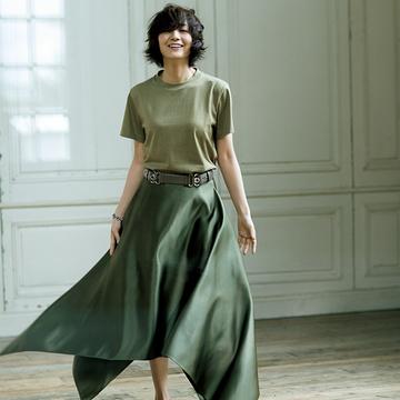 富岡佳子が着こなす極上の逸品。こだわりがつまったハイブランドTシャツ4