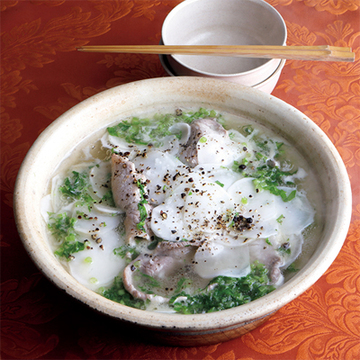 塩こしょうで肉のうま味を味わう! 豚肉とかぶの鍋【絶品鍋レシピ28days】