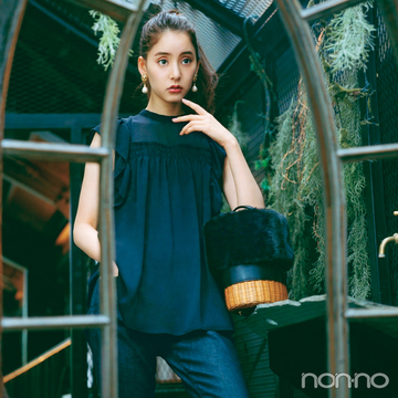 新木優子は秋色シアートップスをデニムでカジュアルダウン【毎日コーデ】