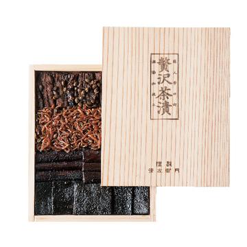 大人の味の豪華な詰め合わせ 「清左衛門」の贅沢茶漬