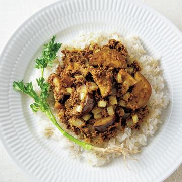 2.料理家・松田美智子さんの「なすと牛ひき肉のドライカレー」