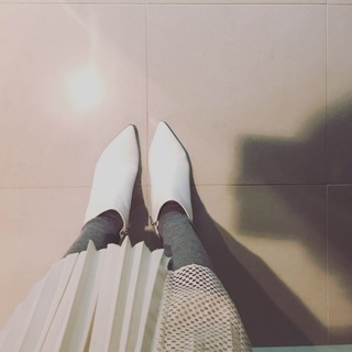 真っ白なショートブーツが使えるワケ_1_1