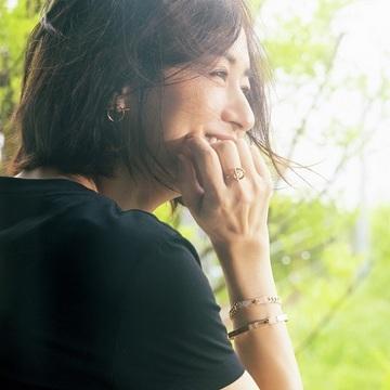 【富岡佳子 Tシャツとダイヤモンド、太陽と笑顔と】品よく、グラマラスな夏コーデ