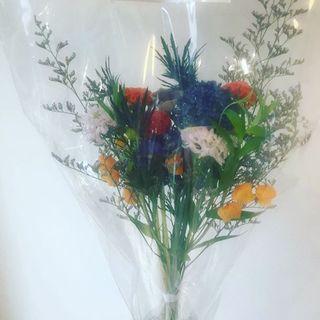 『ディリジェンスパーラー』の素敵な花束をいただきました!