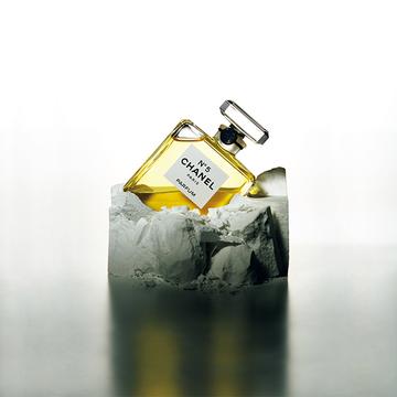 N°5、それは革新の象徴。ガブリエル シャネルの美意識が息づく「シャネルN°5」