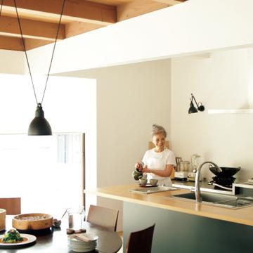 有元葉子さんのエクラ連載企画が単行本化!おいしくて素敵な食卓が「2皿」でつくれる理由
