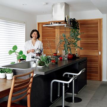 家の中心にキッチンを。松井陽子さんの家族が集う心地よい家づくり