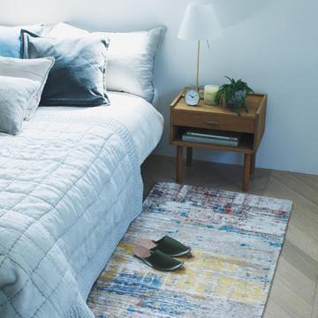 【美しい絨毯】ベッドの側に加えたい「絵画のような絨毯」