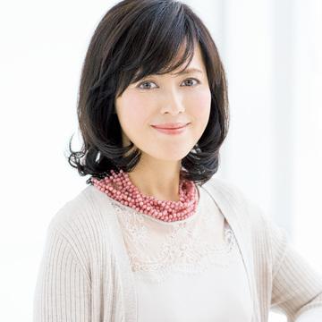 """1. """"ナナメ下ろし前髪"""" で美女系エレガント"""