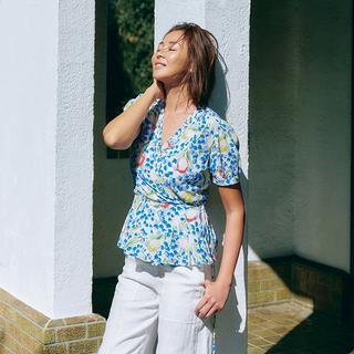 ガーデンパーティを楽しむようにポジティブに 「ポロ ラルフ ローレン」で出会う、 心弾む服