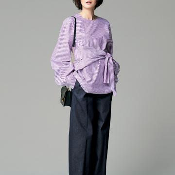 4. ワイドパンツのようなデニムで装いをワングレードアップ