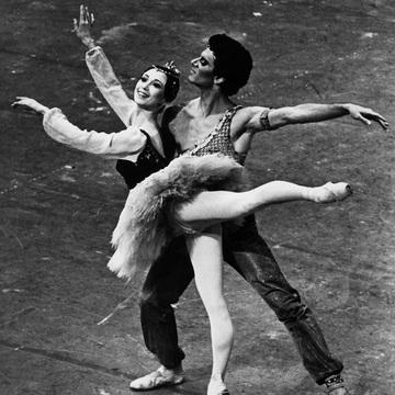 【森下洋子 Historical Album】少女時代から現在までのバレエ人生を写真とともに振り返る