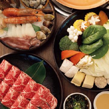 【台湾のローカルフード@烏來】スパイスの効いたスープ、鍋専門店、エビの唐揚げ