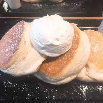 とろける米粉のパンケーキ【裏参道】堪らない♡もちふわ